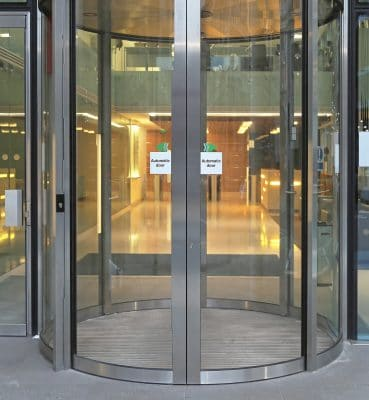 Automatic curved sliding doors